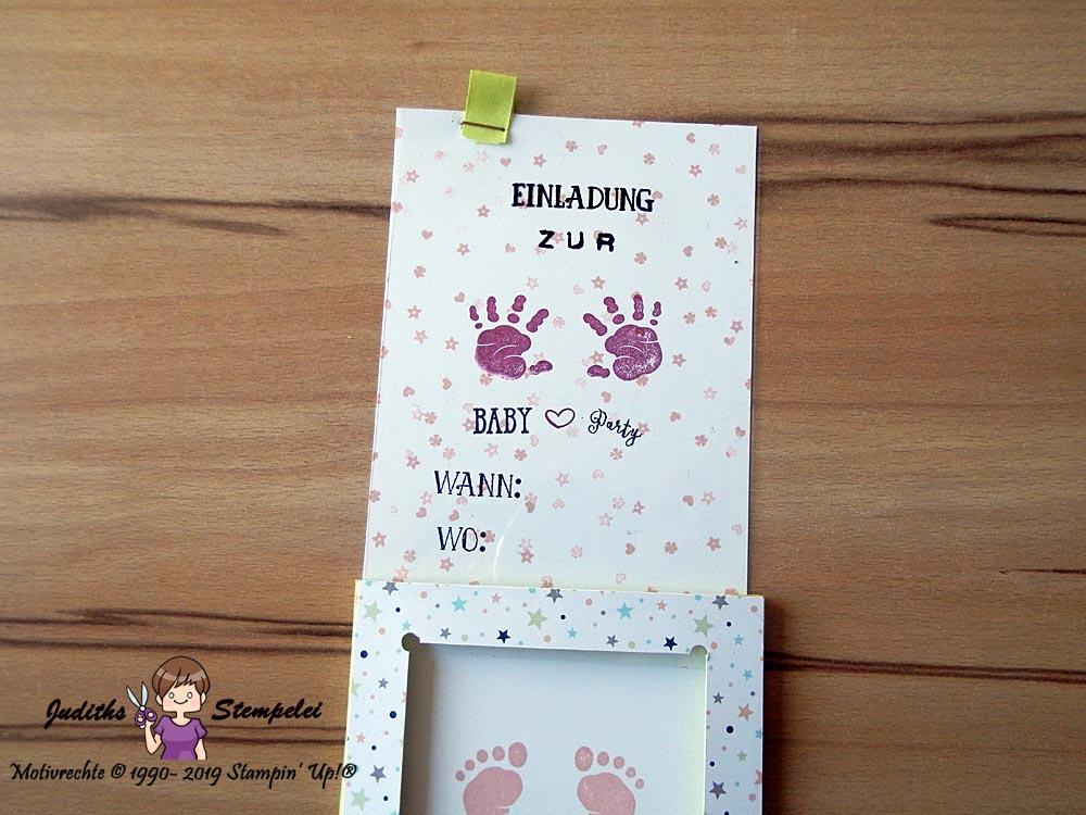 geöffnete Einladungskarte zur Babyparty